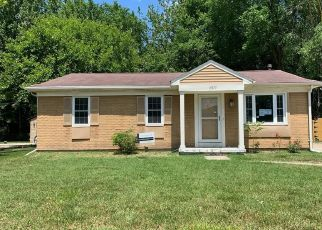 Foreclosed Home in Romulus 48174 RIDGEBROOK PATH - Property ID: 4493298910