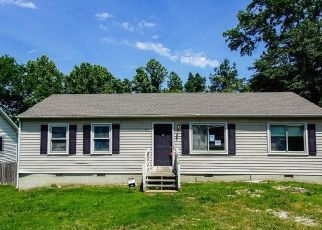 Foreclosed Home in Petersburg 23803 PLEASANTS LN - Property ID: 4493343124