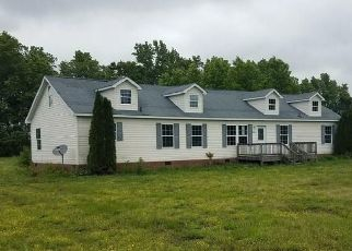 Foreclosed Home in Wakefield 23888 ROCKY HOCK RD - Property ID: 4493347964