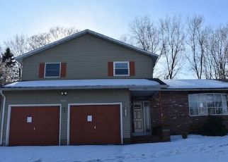 Foreclosed Home in Syracuse 13215 WINKWORTH PKWY - Property ID: 4493679500