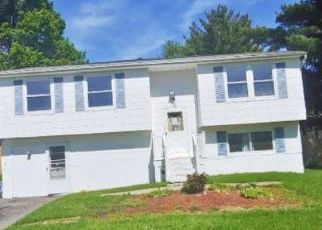 Foreclosed Home in Liverpool 13090 ELAINE CIR - Property ID: 4493690450