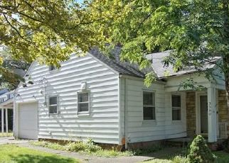 Foreclosed Home in Cleveland 44121 MONTICELLO BLVD - Property ID: 4493700524