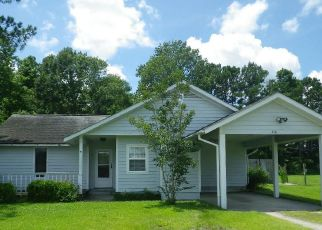 Foreclosed Home in Hubert 28539 W WILLIS LANDING RD - Property ID: 4493825344
