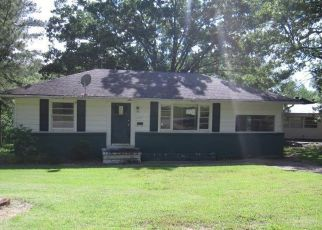 Foreclosed Home in Poplar Bluff 63901 MEADOW LN - Property ID: 4494036895