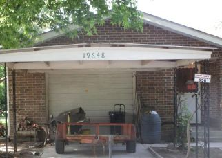 Foreclosed Home in Cassville 65625 STATE HIGHWAY 76 - Property ID: 4494056598