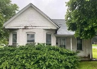 Foreclosed Home in Louisiana 63353 S 25TH ST - Property ID: 4494068416