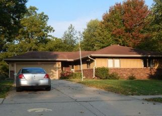 Foreclosed Home in Urbandale 50322 68TH ST - Property ID: 4494205506