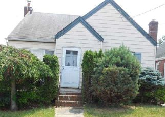 Foreclosed Home in Franklin Square 11010 ROSEGOLD ST - Property ID: 4494314116