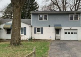Foreclosed Home in Indianapolis 46220 CRITTENDEN AVE - Property ID: 4494321571