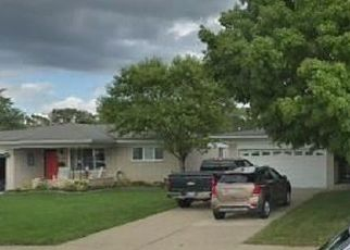 Foreclosed Home in Sterling Heights 48312 CHATSWORTH DR - Property ID: 4494342591