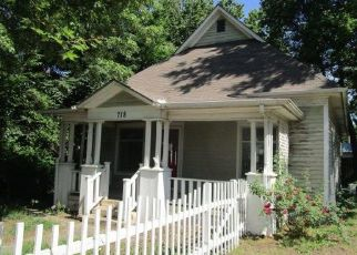 Foreclosed Home in Hutchinson 67501 E 5TH AVE - Property ID: 4494565974