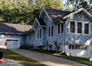 Foreclosed Home in Kansas City 64117 NE CHAUMIERE RD - Property ID: 4494617646