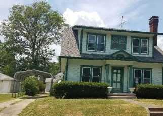 Foreclosed Home in Centralia 62801 MELROSE AVE - Property ID: 4494723633