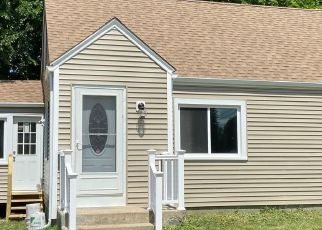 Foreclosed Home in New Britain 06053 MCKINLEY DR - Property ID: 4494740718