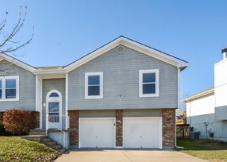Foreclosed Home in Kansas City 64157 N BOOTH AVE - Property ID: 4494787125