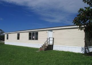 Foreclosed Home in Clewiston 33440 ARKANSAS AVE - Property ID: 4494840120