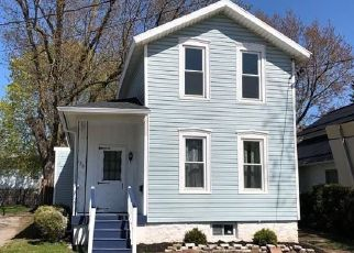Foreclosed Home in Lockport 14094 HARVEY AVE - Property ID: 4495070950