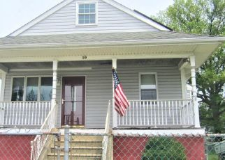 Foreclosed Home in Maple Shade 08052 CHERRY AVE - Property ID: 4495140129
