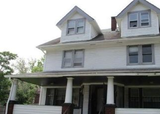 Foreclosed Home in Cleveland 44112 GARDEN RD - Property ID: 4495304832