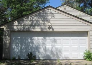 Foreclosed Home in Hopkins 55305 LAKE STREET EXT - Property ID: 4495531249