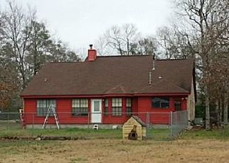 Foreclosed Home in Conroe 77303 HICKORY RIDGE DR - Property ID: 4495580300