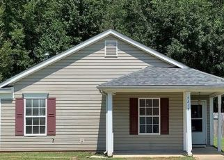 Foreclosed Home in Charlotte 28215 PADSTOW CT - Property ID: 4495667458