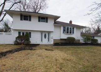 Foreclosed Home in Smithtown 11787 HOWELL DR - Property ID: 4495785275