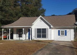 Foreclosed Home in Milton 32570 HUNTER ST - Property ID: 4495993763