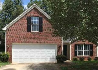 Foreclosed Home in Charlotte 28215 SANDBOAR ST - Property ID: 4496000323