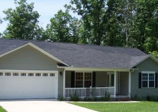 Foreclosed Home in Crossville 38572 POCAHONTAS LN - Property ID: 4496346769