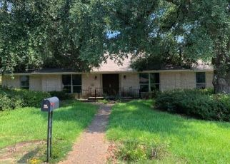 Foreclosed Home in Longview 75601 WARWICK CIR E - Property ID: 4496413328
