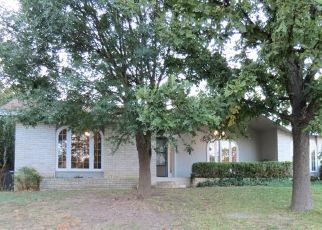 Foreclosed Home in Kerrville 78028 HARPER RD - Property ID: 4496755837