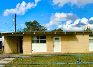Foreclosed Home in Tampa 33619 LANCELOT LOOP - Property ID: 4496808382