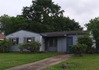 Foreclosed Home in Houston 77047 MOWERY RD - Property ID: 4496843423