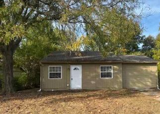 Foreclosed Home in Indianapolis 46235 BIG BEN CIR - Property ID: 4496878458