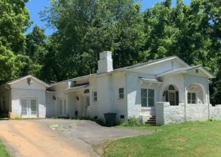 Foreclosed Home in Johnson City 37601 MILLIGAN HWY - Property ID: 4497049718