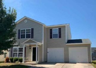 Foreclosed Home in Winston Salem 27127 HEATHER VIEW LN - Property ID: 4497228401