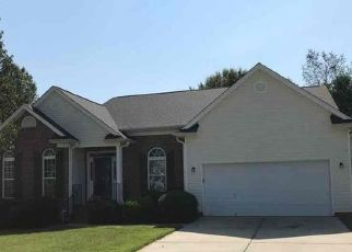 Foreclosed Home in Winston Salem 27106 LINDSEY LN - Property ID: 4497229275