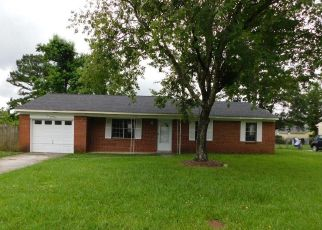 Foreclosed Home in Jacksonville 28546 WHITE OAK BLVD - Property ID: 4497671636
