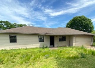 Foreclosed Home in Muldrow 74948 S 4776 RD - Property ID: 4497770617