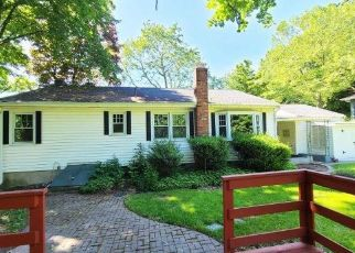 Foreclosed Home in Wallingford 06492 WAYNE RD - Property ID: 4497780246