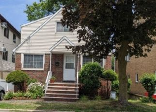 Foreclosed Home in Cliffside Park 07010 CRESCENT LN - Property ID: 4497818803