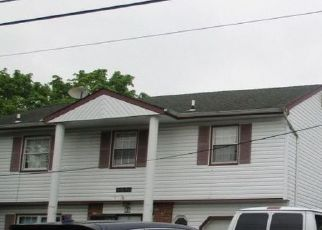 Foreclosed Home in Central Islip 11722 ROOT AVE - Property ID: 4497822744