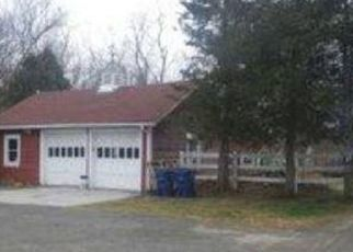 Foreclosed Home in Warwick 02886 BUDLONG FARM RD - Property ID: 4497991800