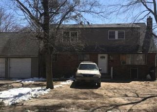Foreclosed Home in Huntington Station 11746 COLUMBIA ST - Property ID: 4498007560