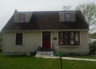 Foreclosed Home in Central Islip 11722 EARLE ST - Property ID: 4498013246