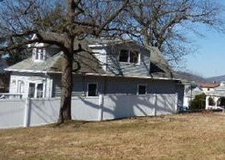 Foreclosed Home in Scranton 18505 MAPLE ST - Property ID: 4498099541