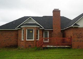 Foreclosed Home in Fayetteville 28314 HELMSLEY DR - Property ID: 4498210338