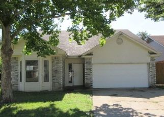 Foreclosed Home in Arlington 76015 WAVERLY CT - Property ID: 4498214277