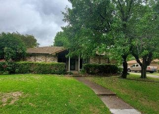 Foreclosed Home in Fort Worth 76133 FOXFIRE WAY - Property ID: 4498215150